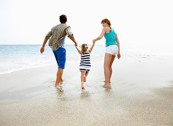 Frei von Cellulite. Den Sommer am Strand in vollen Zügen genießen.